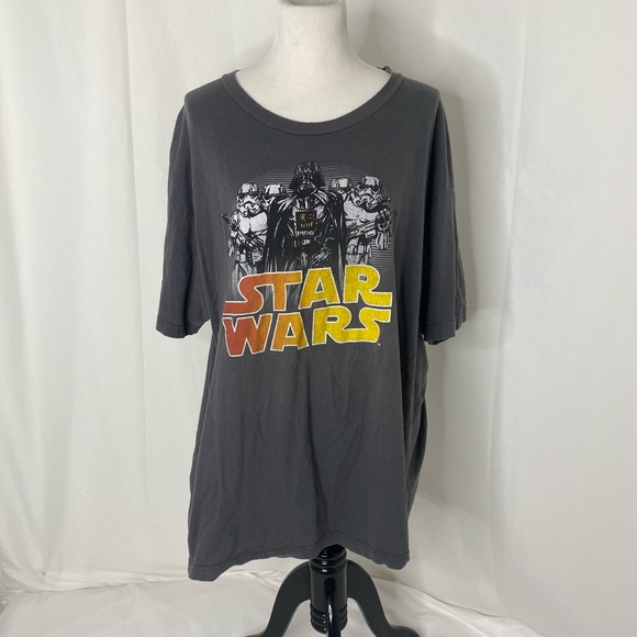 Star Wars Darth Vader Men/'s T-Shirt By XL NWT X-Large Fifth Sun Men/'s Size